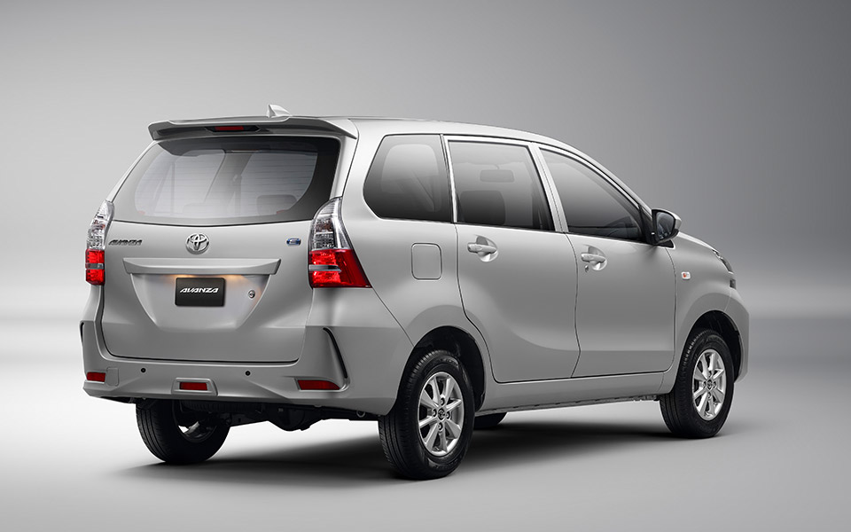 toyota avanza silver 2020 rear view