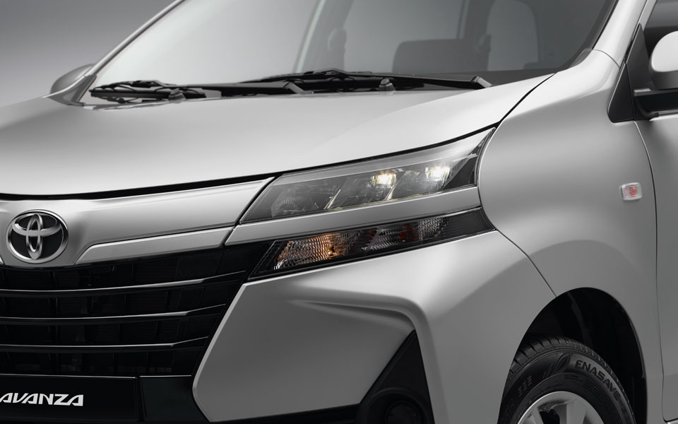 LED headlights in toyota avanza 2020