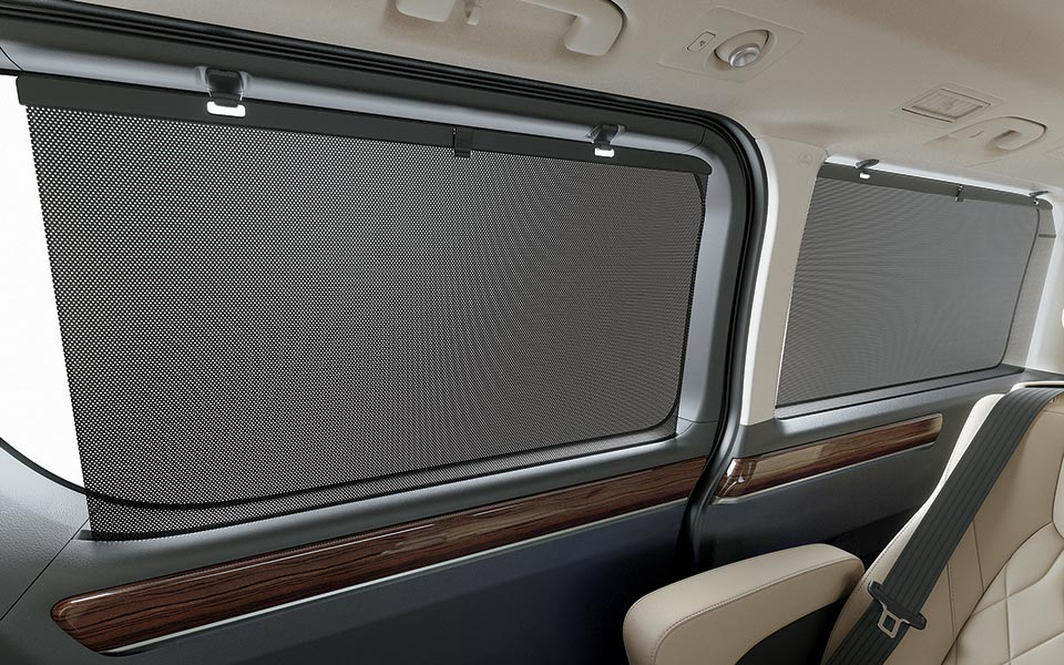 Sunshades in toyota granvia 2020