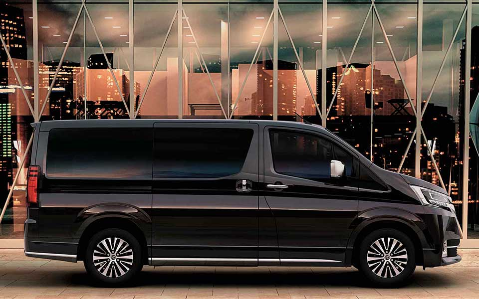 toyota granvia black 2020 side-view