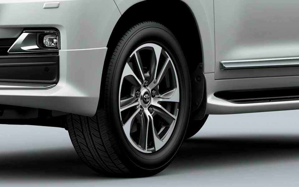 20 inch alloy wheels in toyota Lc200 2020